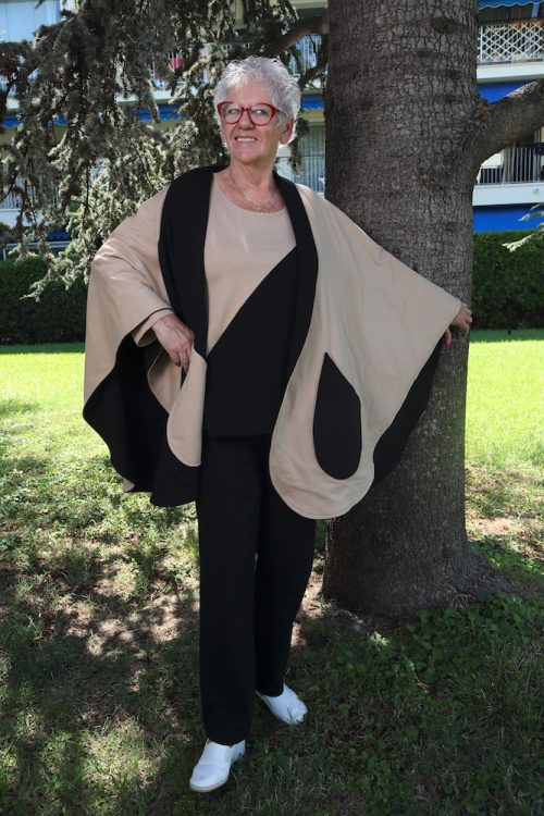 Cape-scarf-elderlies-woman-fashion-retirement