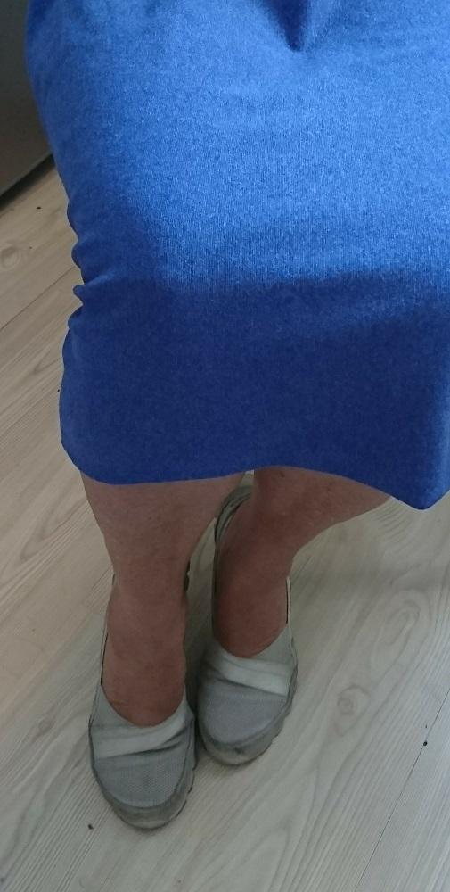 Jupe-bleu-femme-agee-velcro-diabetique