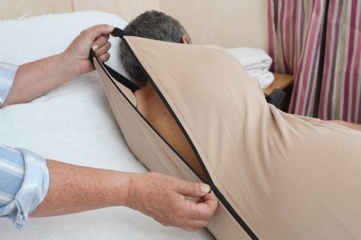 pyjama-senile-woman-back-opening-easy